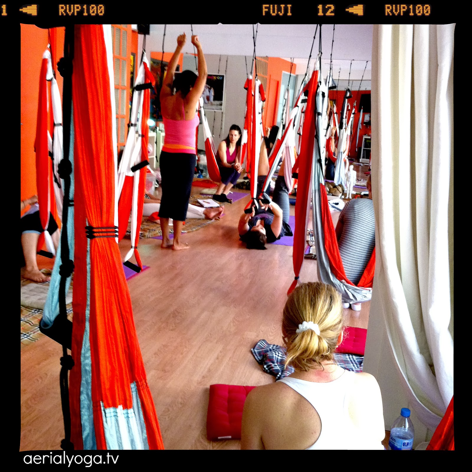 AERIAL YOGA USA, AERIAL POSE, AERO YOGA TEACHERS TRAINING, YOGA SWING , AERIAL PILATES,  SPAIN USA