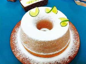 Bolo de requeijão e limão