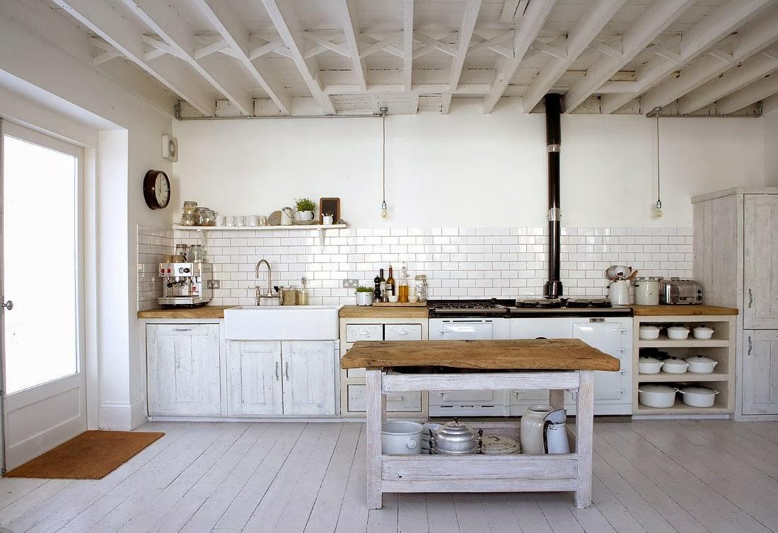 fregadero bajo encimera madera cocina rustica con madera blanca ideas para el hogar pinterest