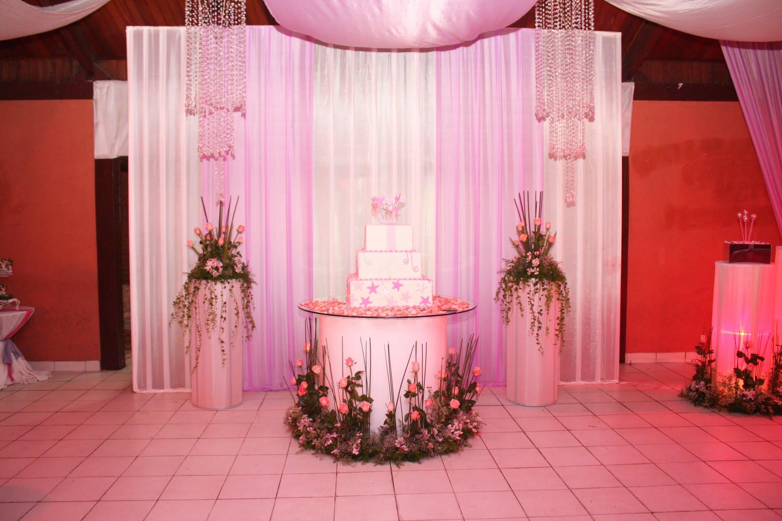 : Espectaculares decoraciones con pedestales para la mesa de la torta