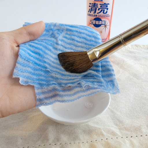 cleaning makeup brushes with detergent