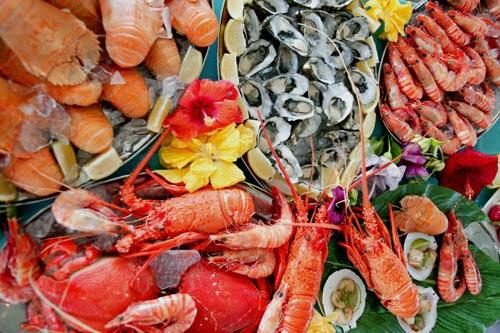 Người bị nám tàn nhang nên kiêng ăn hải sản
