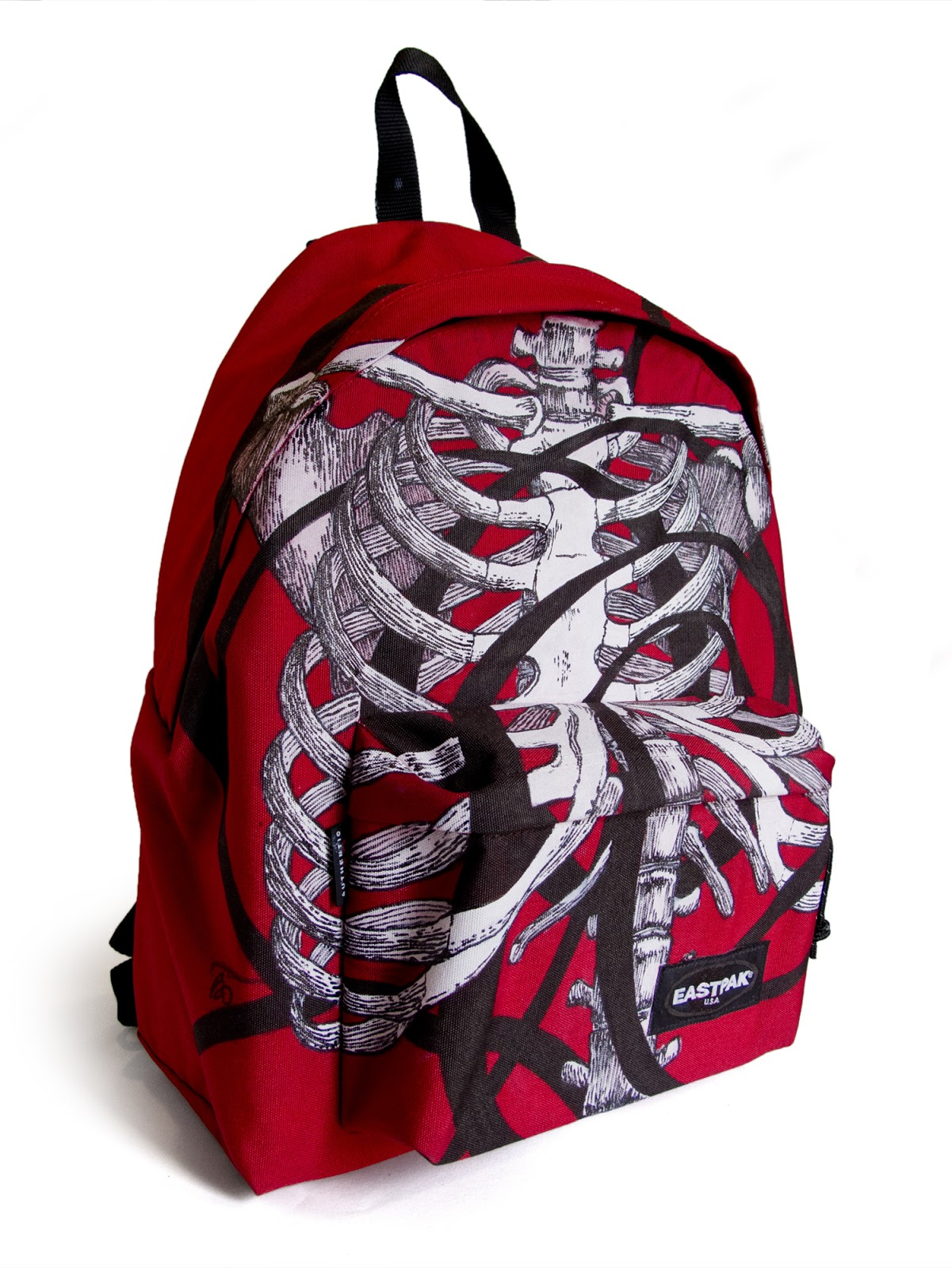 Arnobio art dessin sur un sac eastpak design on a eastpak bag - Dessin sur sac eastpak ...