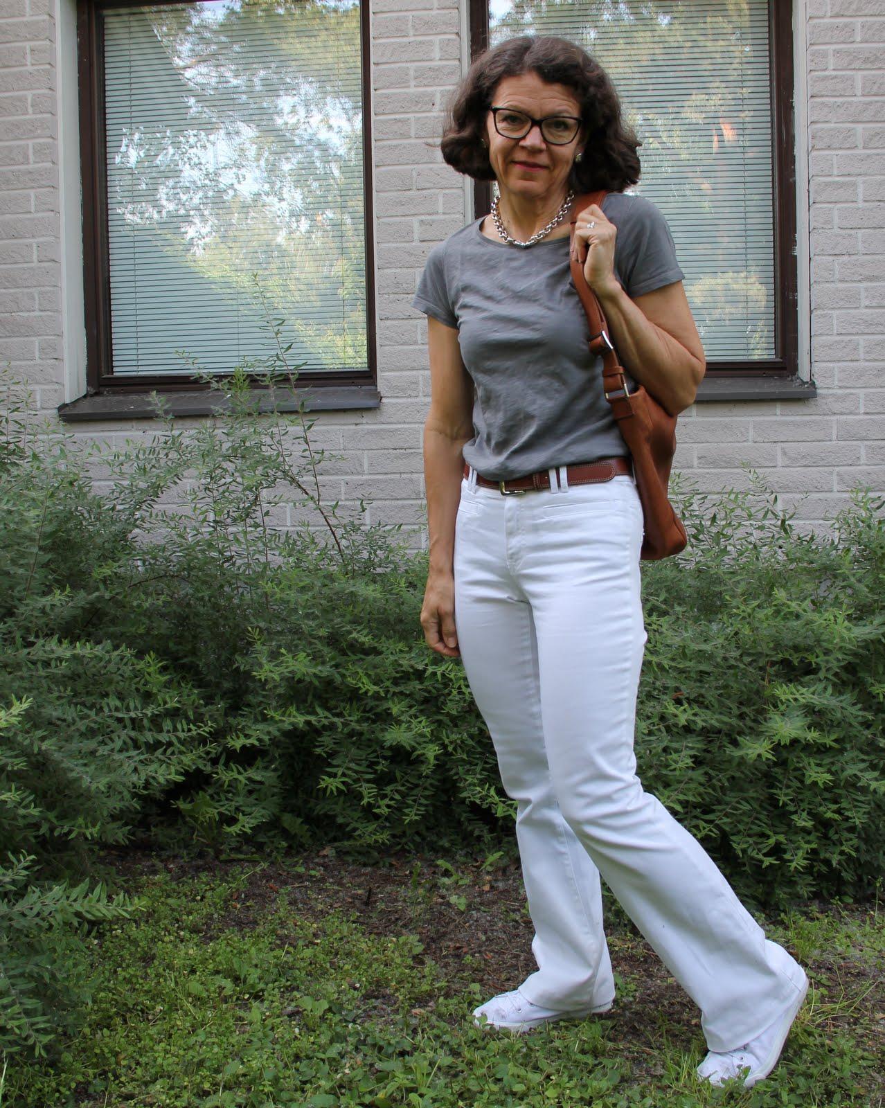 50 Vuotiaan naisen pukeutuminen