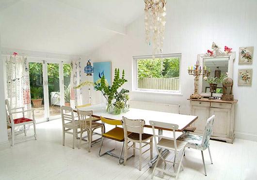 Cream life mismatched chairs - Decoracion vintage casa ...