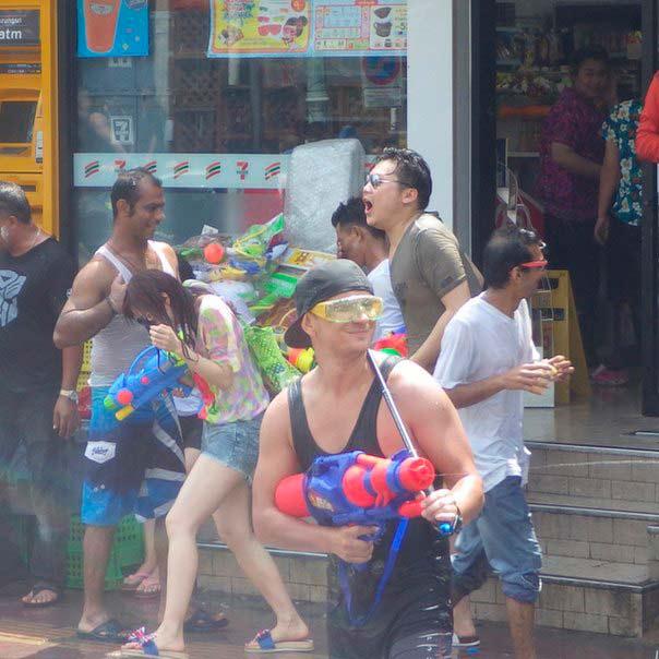 Но в Таиланде всё совсем не так. Во-первых, Новый Год называется Сонгкран.