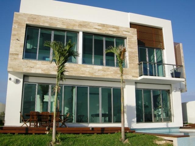 Fachadas contempor neas noviembre 2012 for Casas modernas oscuras