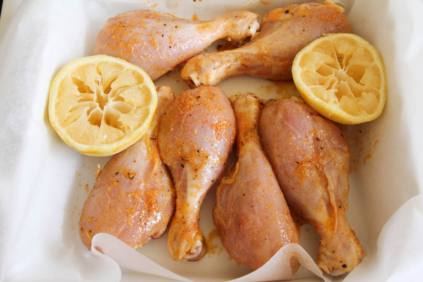 These lemon garlic drumsticks are savory and flavorful, and simple and easy to make. A delicious dinner the whole family will love!