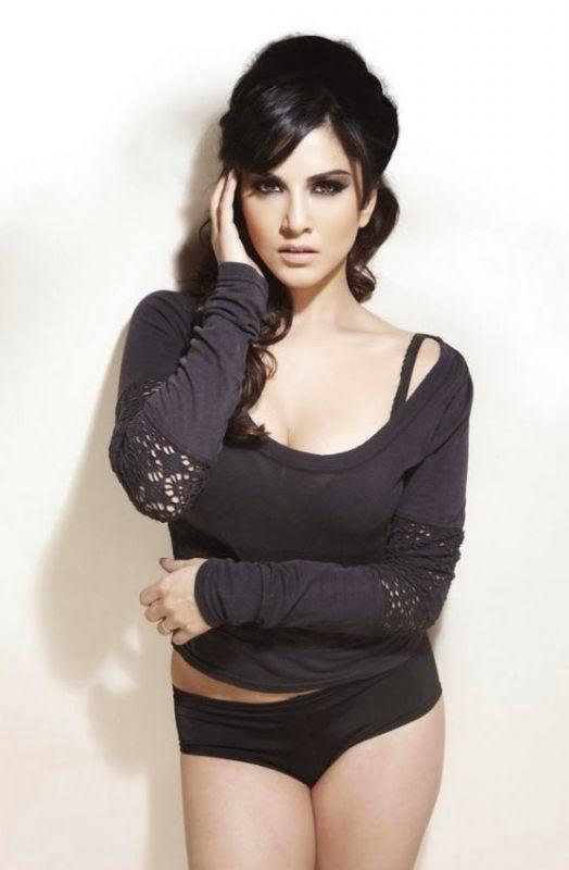 Sunny Leone topless black bra hot black panty pics naked pics