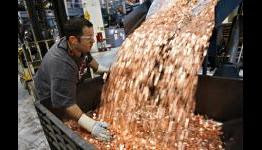 Samsung pays Apple $1 billion sending 30 trucks full of 5 cents coins