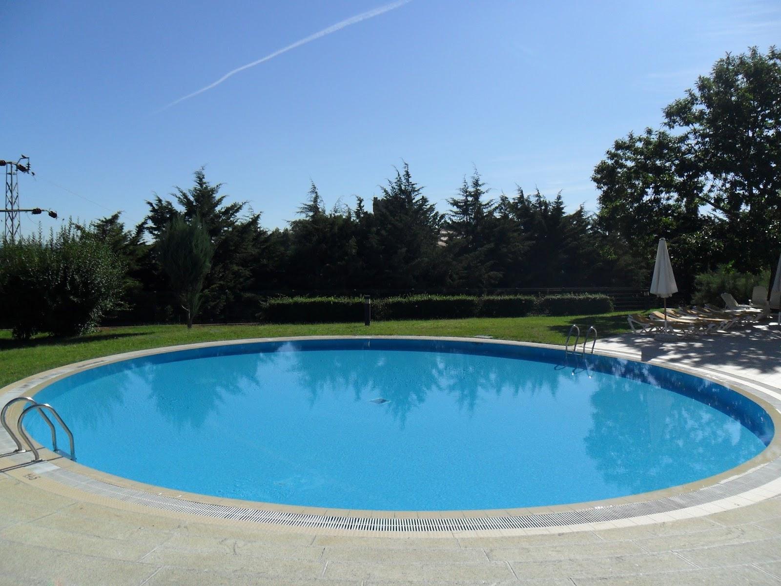 Piscinas cr 926 223 996 ciudad real for Se hacen piscinas