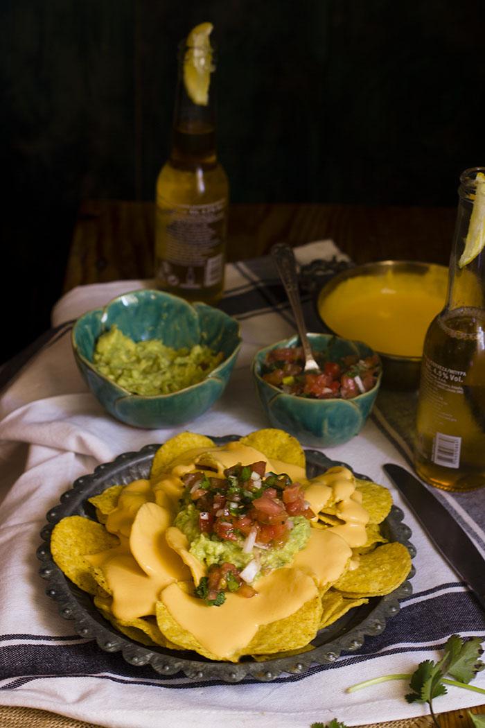 Nachos con guacamole y pico de gallo