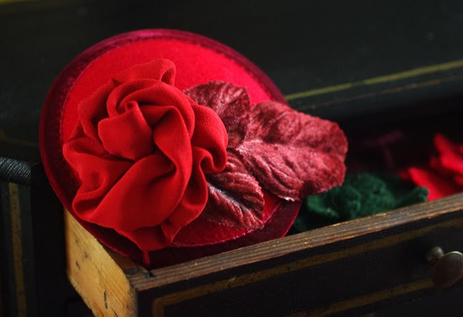 fascinator, red rose, pillbox, valentines day