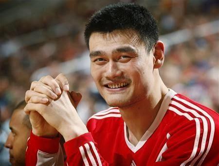 اخيرا وجدناه ...ياو مينج yao ming...أشهر شخصية ساخرة على الفيس بوك