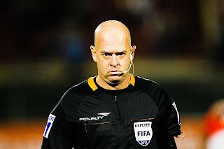 Heber Roberto Lopes apita Bahia x Flamengo