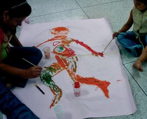 Experiencia estético-liberadora con refugiadas / ARTE Y AUTOESTIMA 2008
