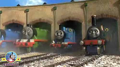 Train Thomas and the toy shop kids online stories Thomas and friends Henry the train roundhouse bays
