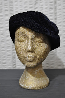 https://www.etsy.com/listing/255682871/30s-vintage-navy-blue-velvet-ladies-hat?ref=shop_home_active_8