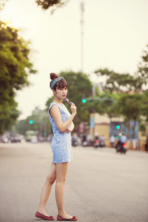 Asian teen model with summer flower motifs