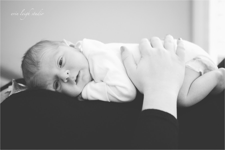 lifestyle newborn photography olathe, ks