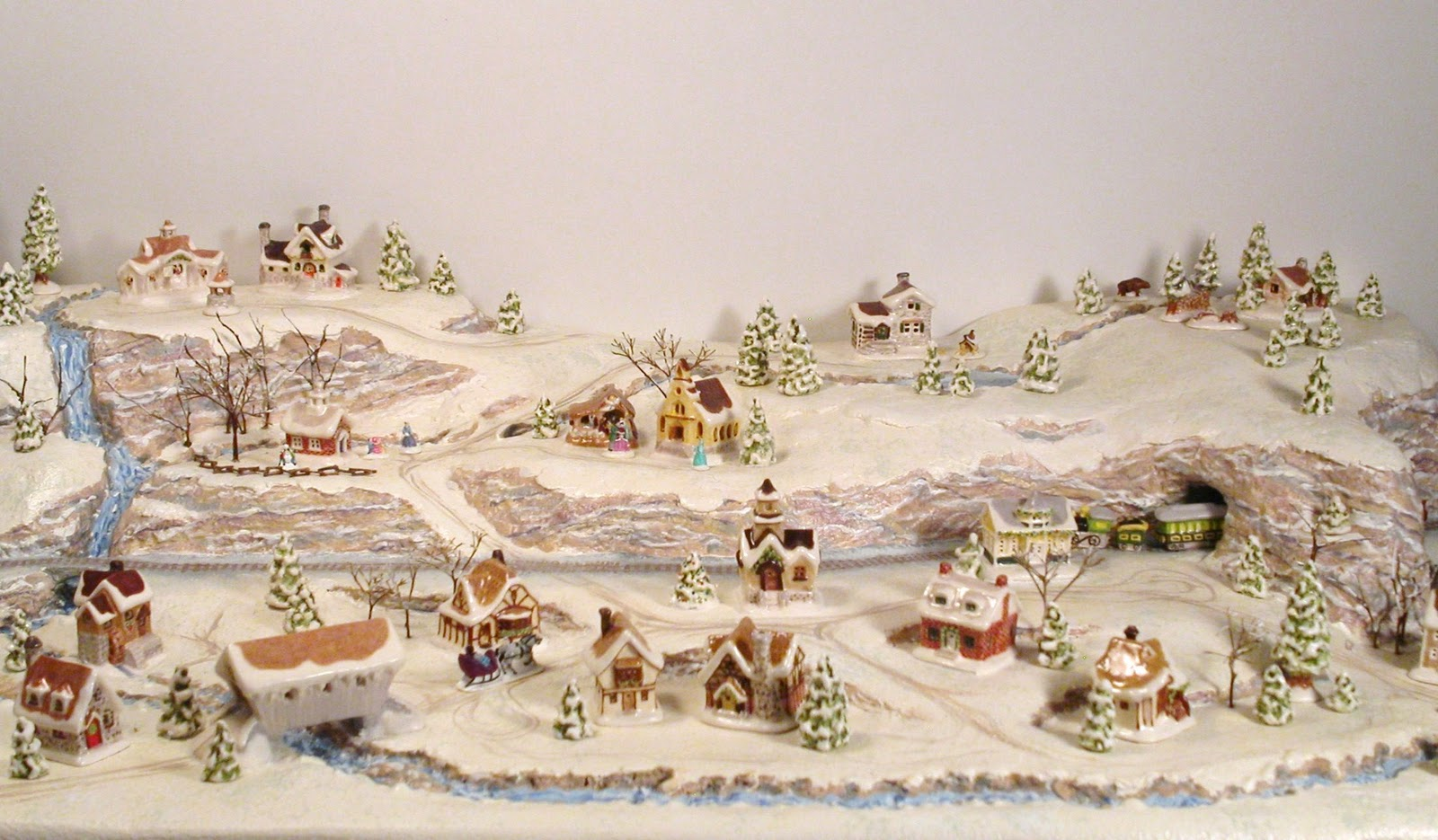 christmas village scene - Miniature Christmas Village
