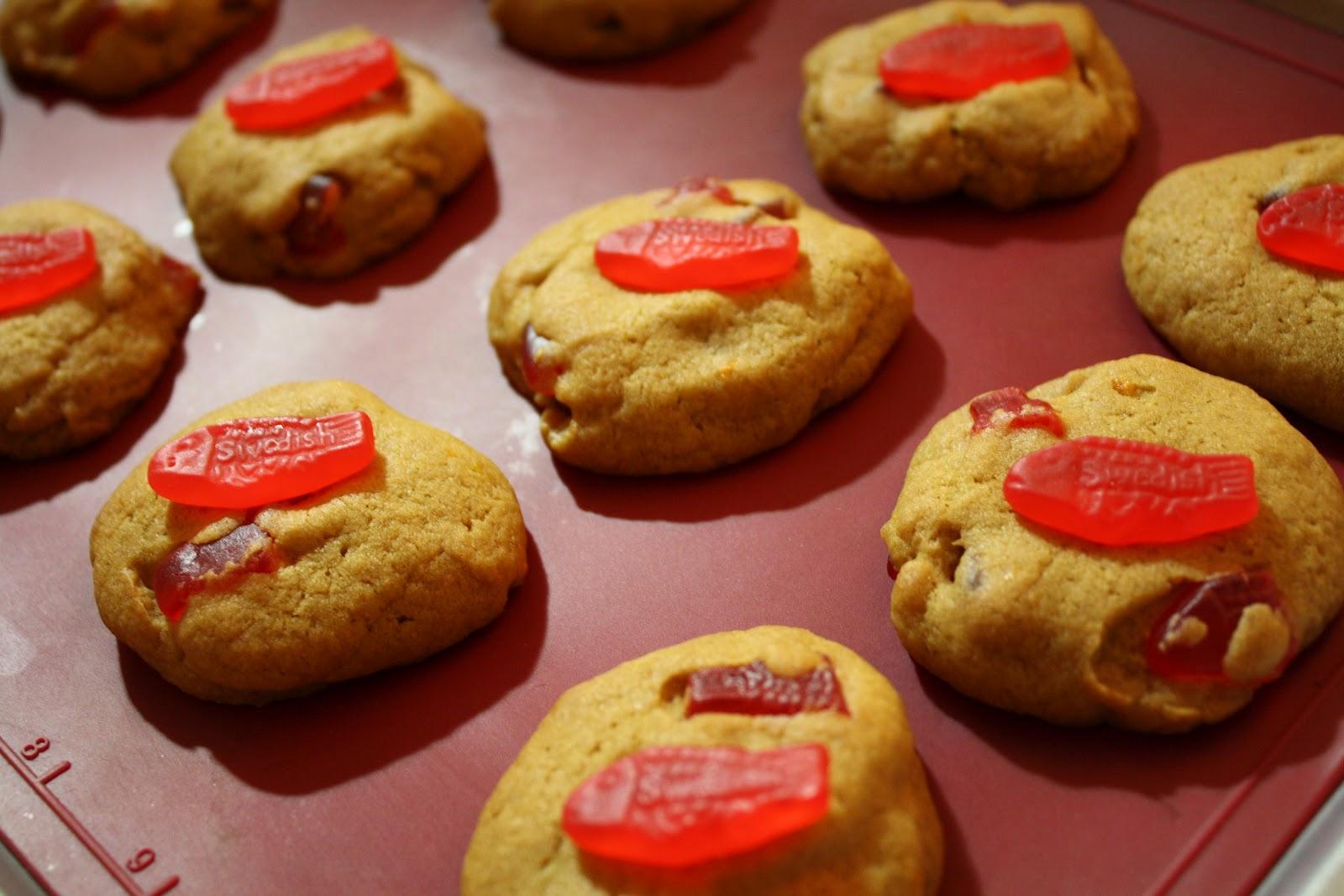 Eat at lu 39 s vegan swedish fish cookie recipe for Swedish fish recipe