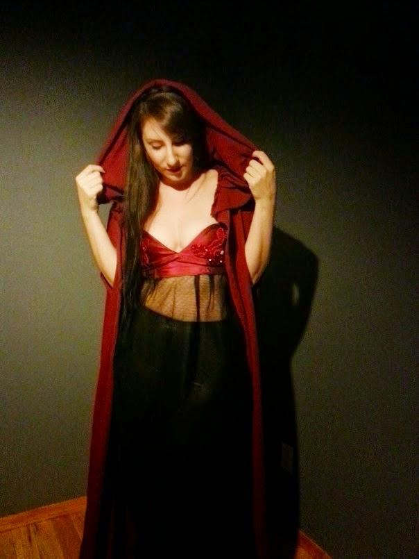 http://eatsleepwritesew.blogspot.com/2014/09/burgandy-rose-lingerie.html