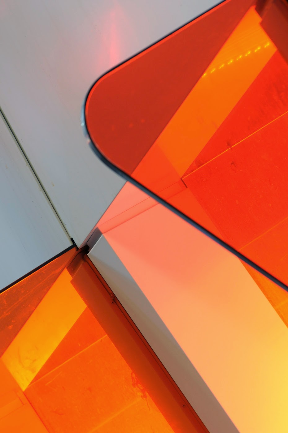 abstract, abstraction, abstractional, graphic, façade, tim Macauley, Macauley, studio 505, architects, architectural, postmodern, postmodernist, modern, new, Lonsdale st, Melbourne, Australia, glass, fins, detail, Elizabeth st,  the strand, arcade