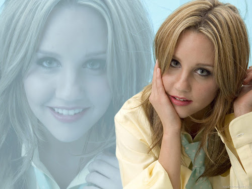 Amanda Bynes Young Hollywood Actress Wallpaper