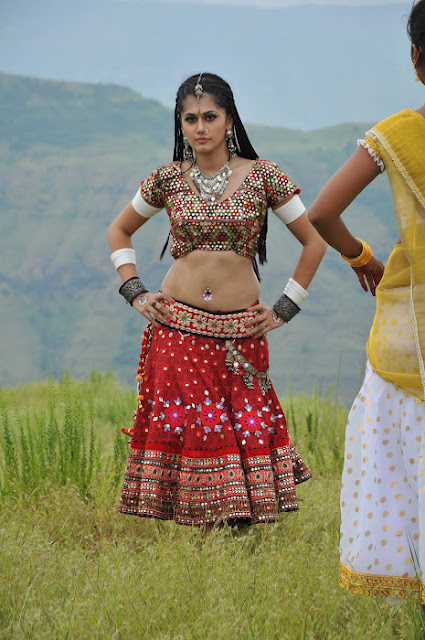 Actress Tapsee Navel Show Photos