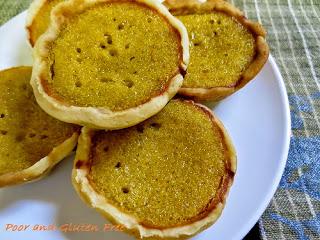 http://poorandglutenfree.blogspot.ca/2014/11/miniature-gluten-free-pumpkin-pie.html