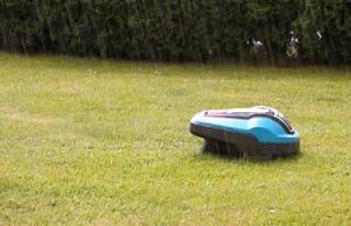 robot cortacesped funciona con lluvia