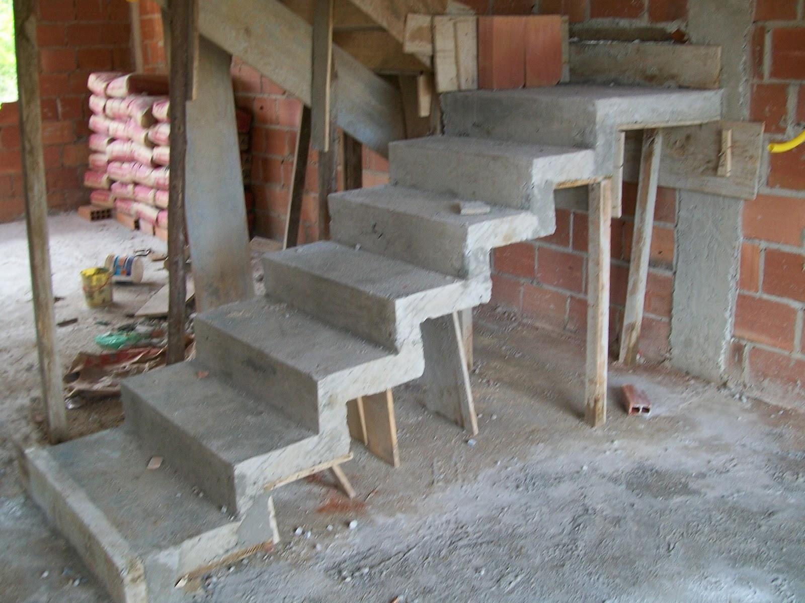 Fotos De Sala De Jantar Com Escada ~ escada divide sala e sala de jantar