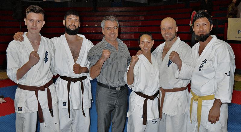 competidores del campeonato open de fuerteventura de karate kyokushin