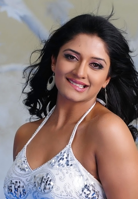 tie vimala raman dazzling shoot actress pics
