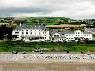 Garryvoe Hotel in Ballycotton Bay