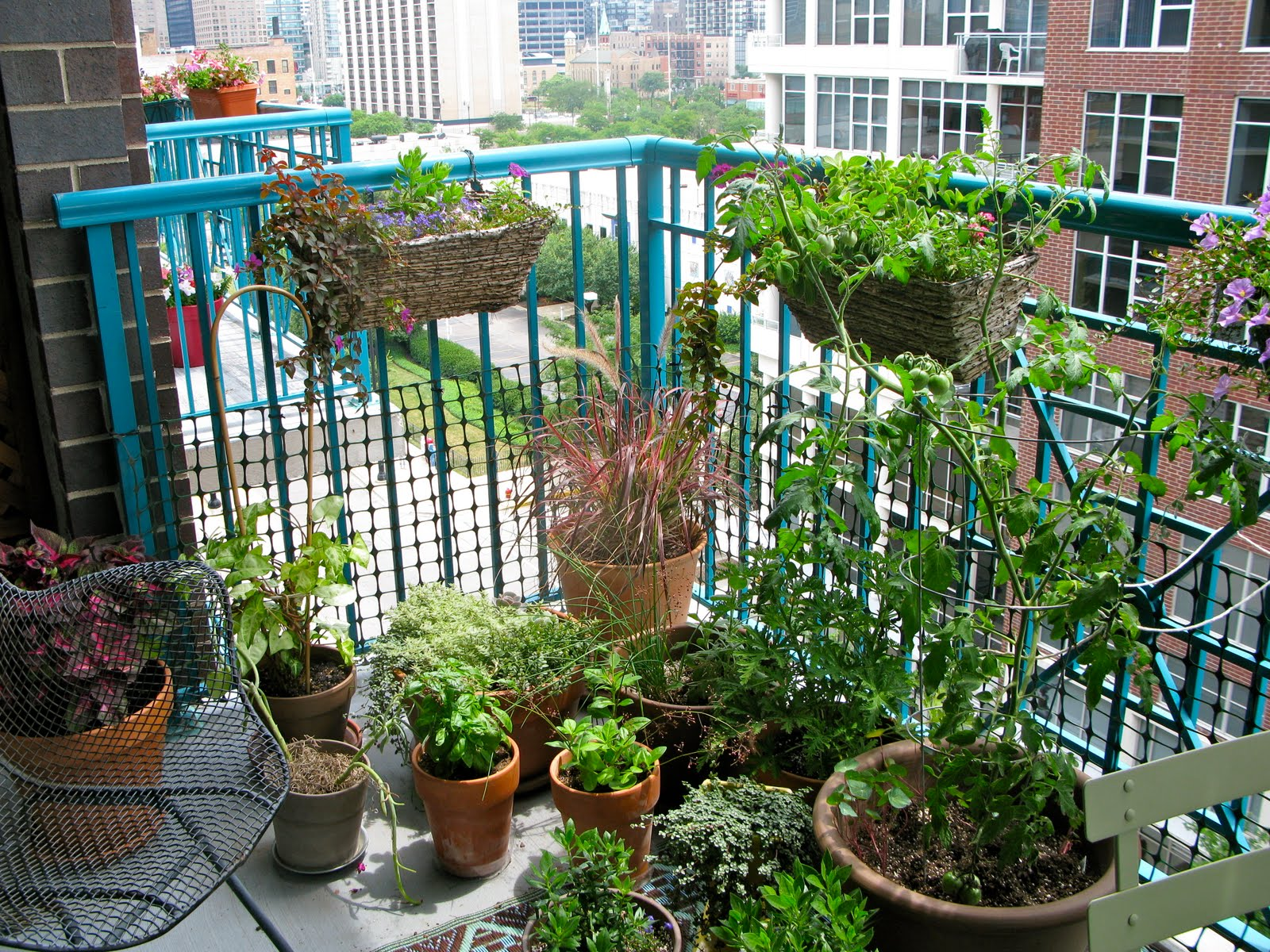 Smart Money Guide Other Balcony Gardens