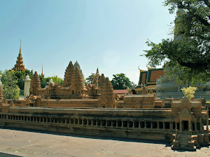 Modelo dos Templos de Angkor, no Palácio Real de Phnom Penh
