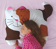 Doomagic Cat-Shaped PIllowcase