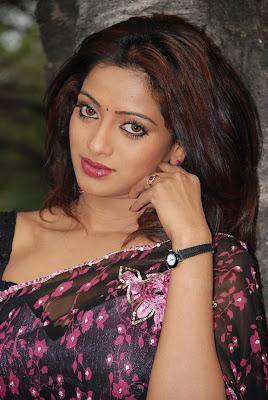 uday bhanu in saree tv anchor