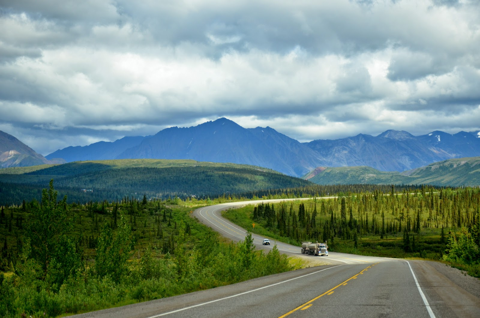 Beautiful Drive on the Park Highway # 3 north toward Denali Nat. Park entrance