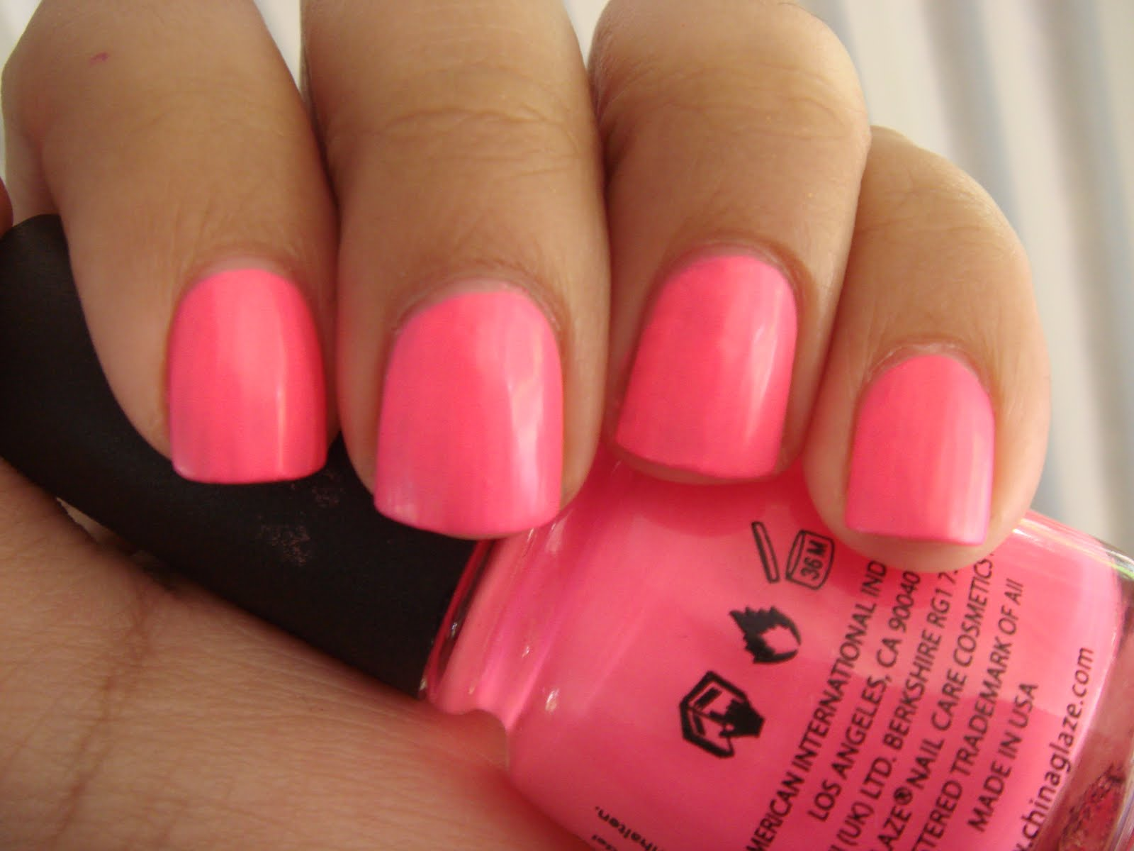nail loopy: CHINA GLAZE SHOCKING PINK (NEON) AND CRACKLE