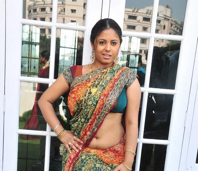 south indian navel show: telugu chubby sunakshi navel in sankranti ...