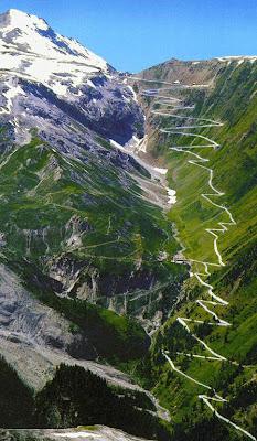 Stelvio Pass Jalan Trollstigen