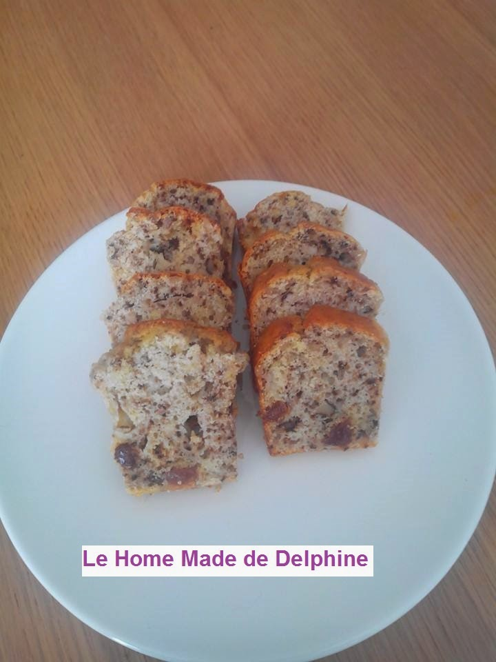 le home made de delphine cake au roquefort noix et raisins secs. Black Bedroom Furniture Sets. Home Design Ideas