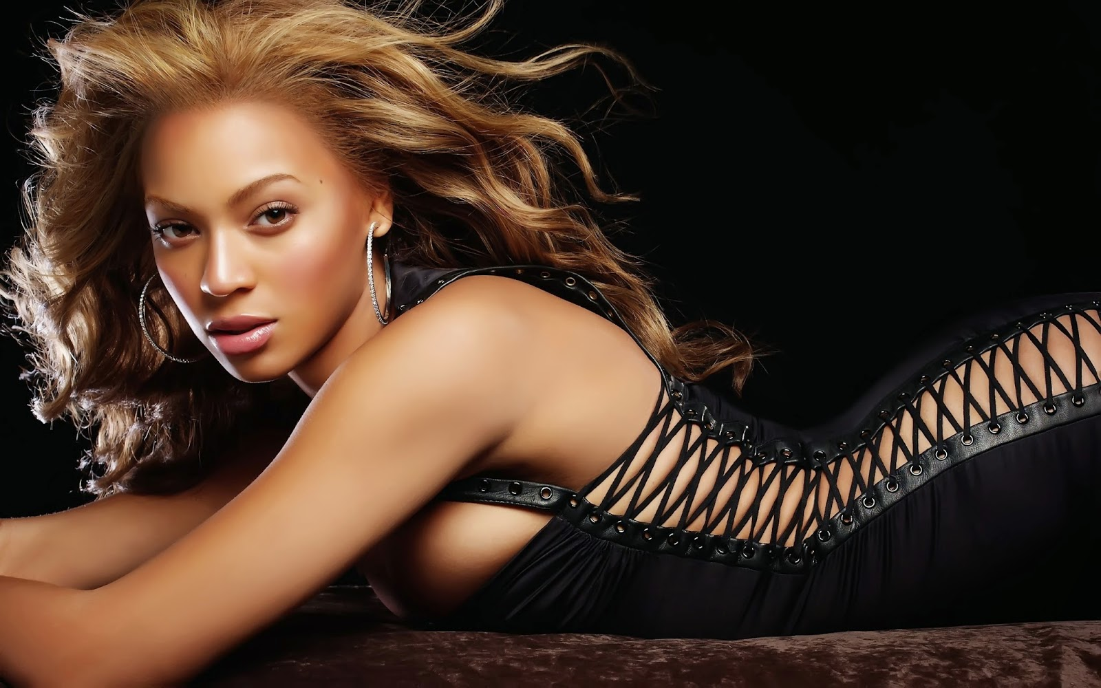 Beyoncé Knowles:World most Sexiest woman ranking #7