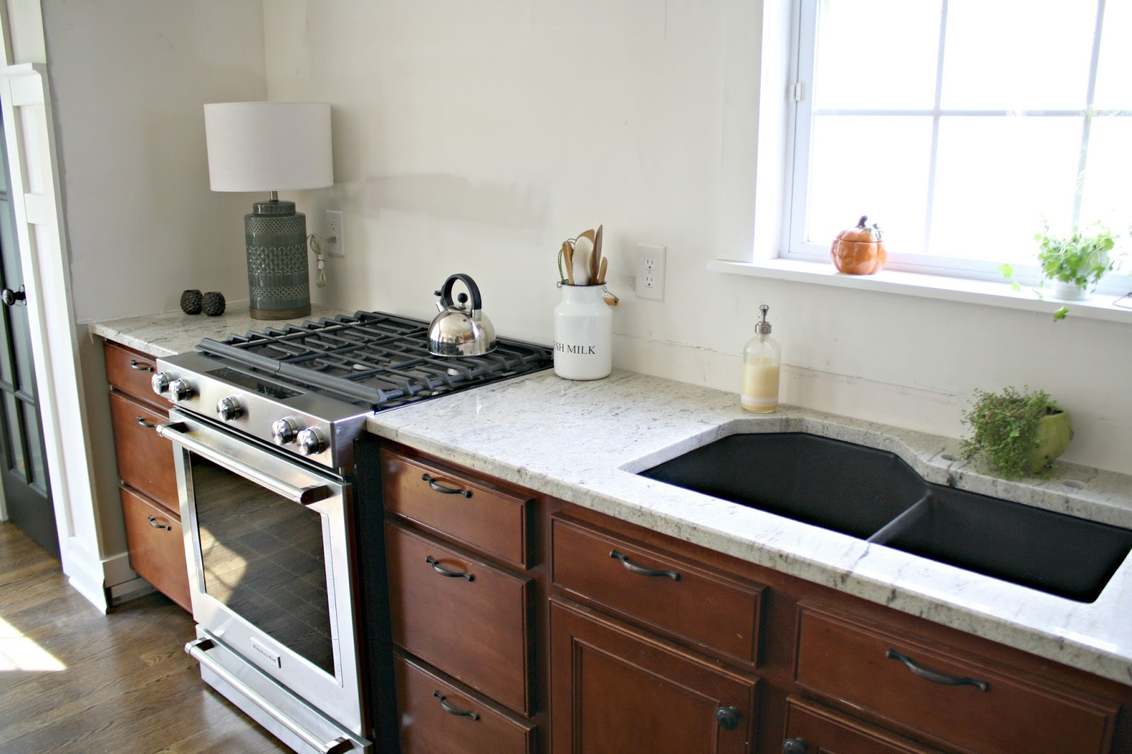 River White Granite Kitchen Our Beautiful River White Granite Countertops From Thrifty Decor