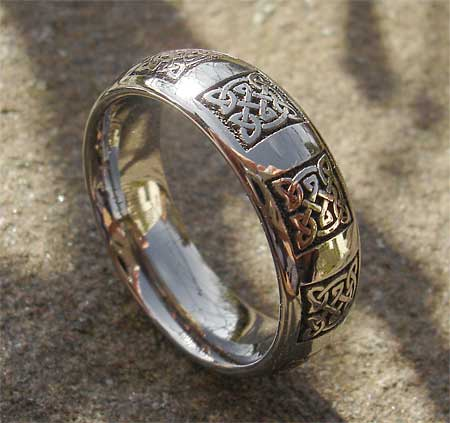 Preparing for romantic wedding titanium wedding rings for for Celtic wedding rings for men