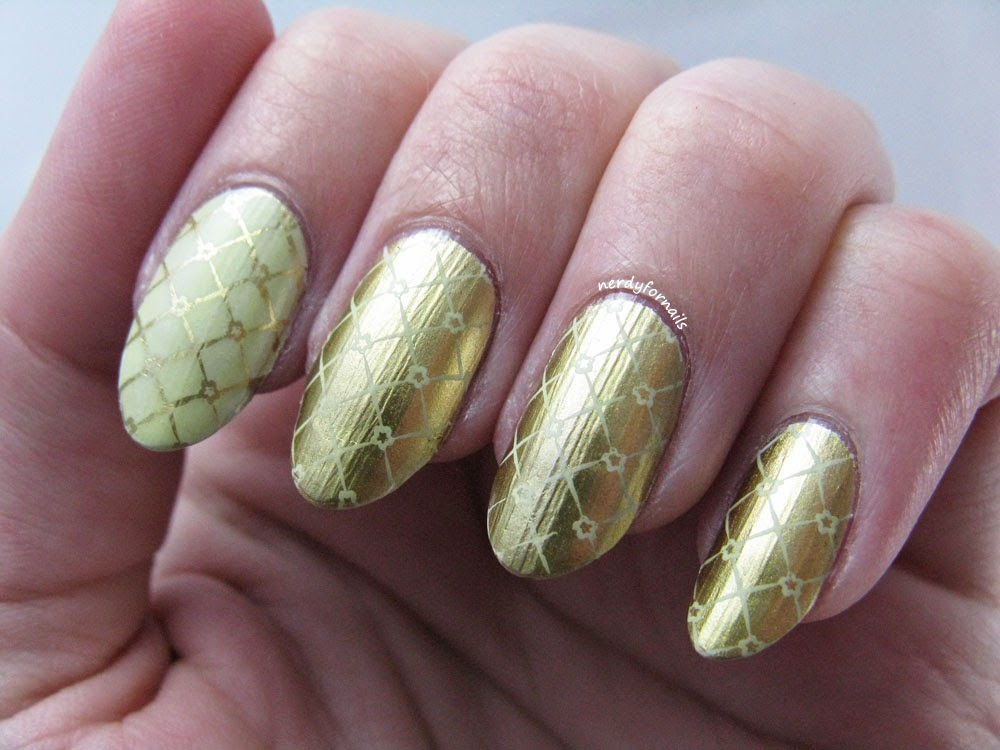 Sally Hansen Color Foil Liquid Gold with Bundle Monster Stamping