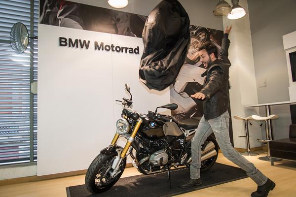 Sebastian-Martínez-celebra-un-año-como-embajador-BMW-MOTORRAD